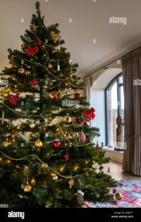 Living Room Uk Christmas Stock Photos & Living Room Uk ...