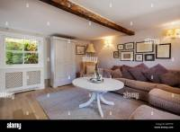 Cottage Living Room Stock Photos & Cottage Living Room ...