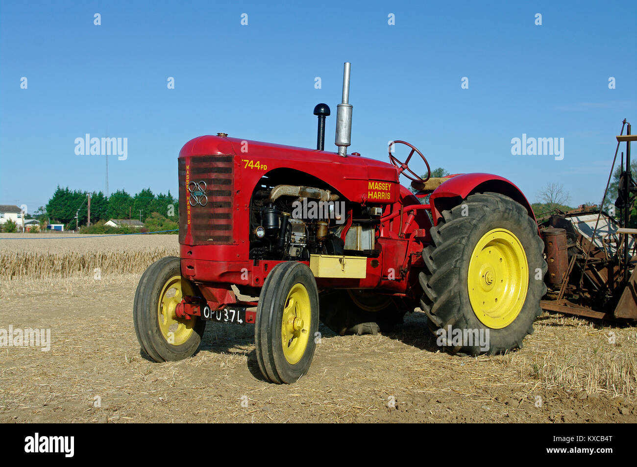 hight resolution of massey harris 744 tractor