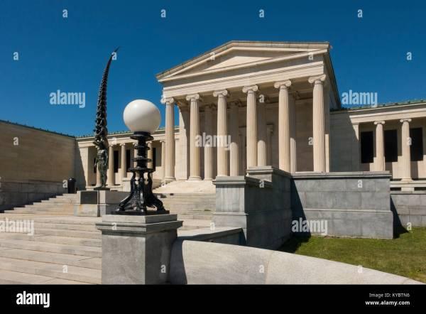 Statue Art Stock & - Alamy