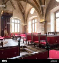 An Empty Throne Stock Photos & An Empty Throne Stock ...