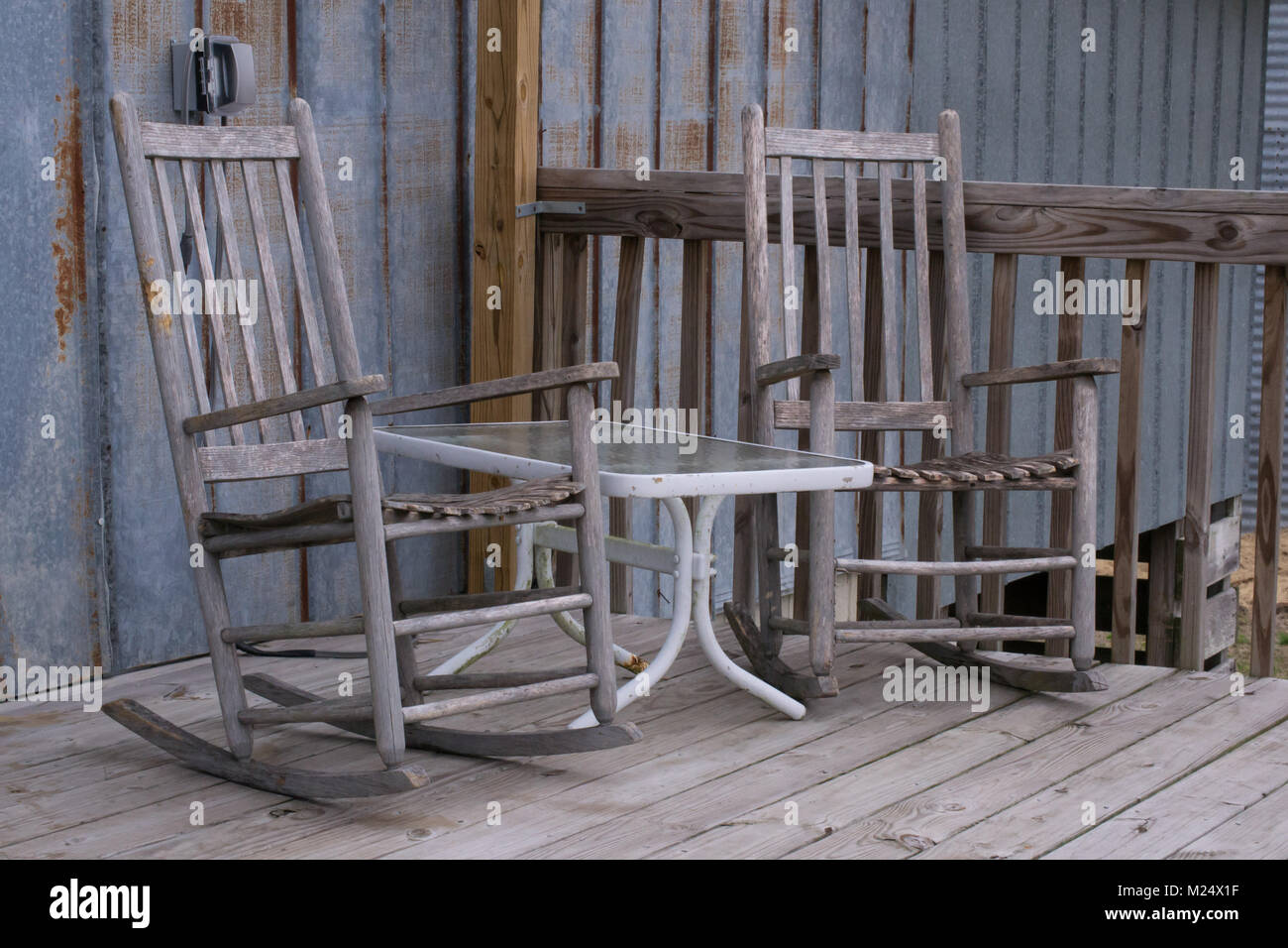 rocking chair resort mountain home arkansas white covers gumtree empty porch stock photos and images alamy
