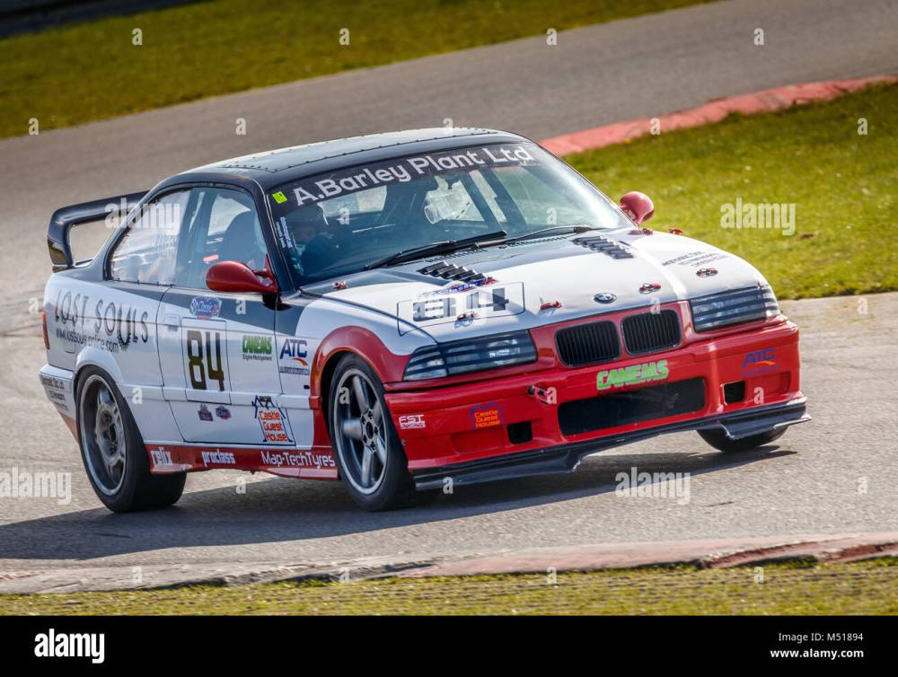 medium resolution of 1992 bmw e36 with driver tom barley during the cscc modern classics race at snetterton motor
