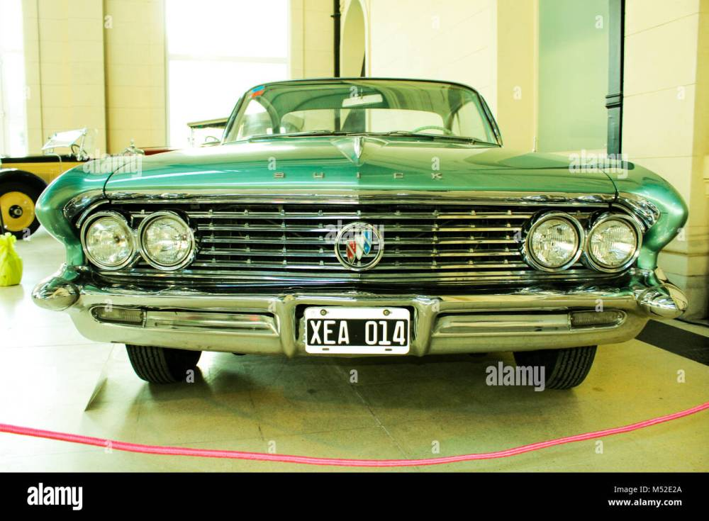medium resolution of buick lesabre 1961 v8 stock image