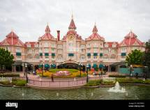 Hotels at Disneyland Entrance