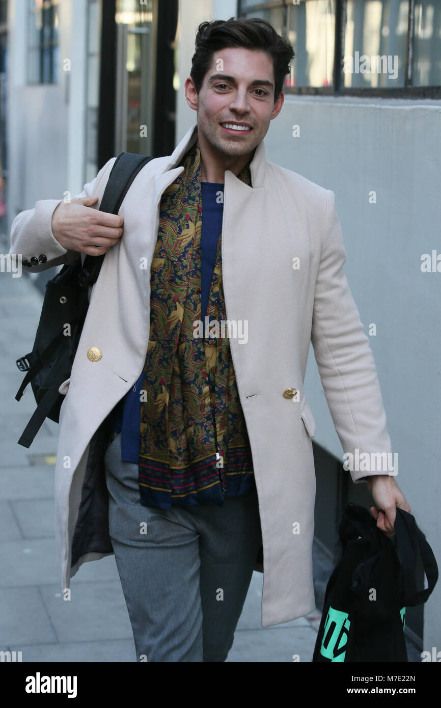 Celebrities Leave The Aol Build Ldn After Promoting Celebs Go Stock Photo Alamy
