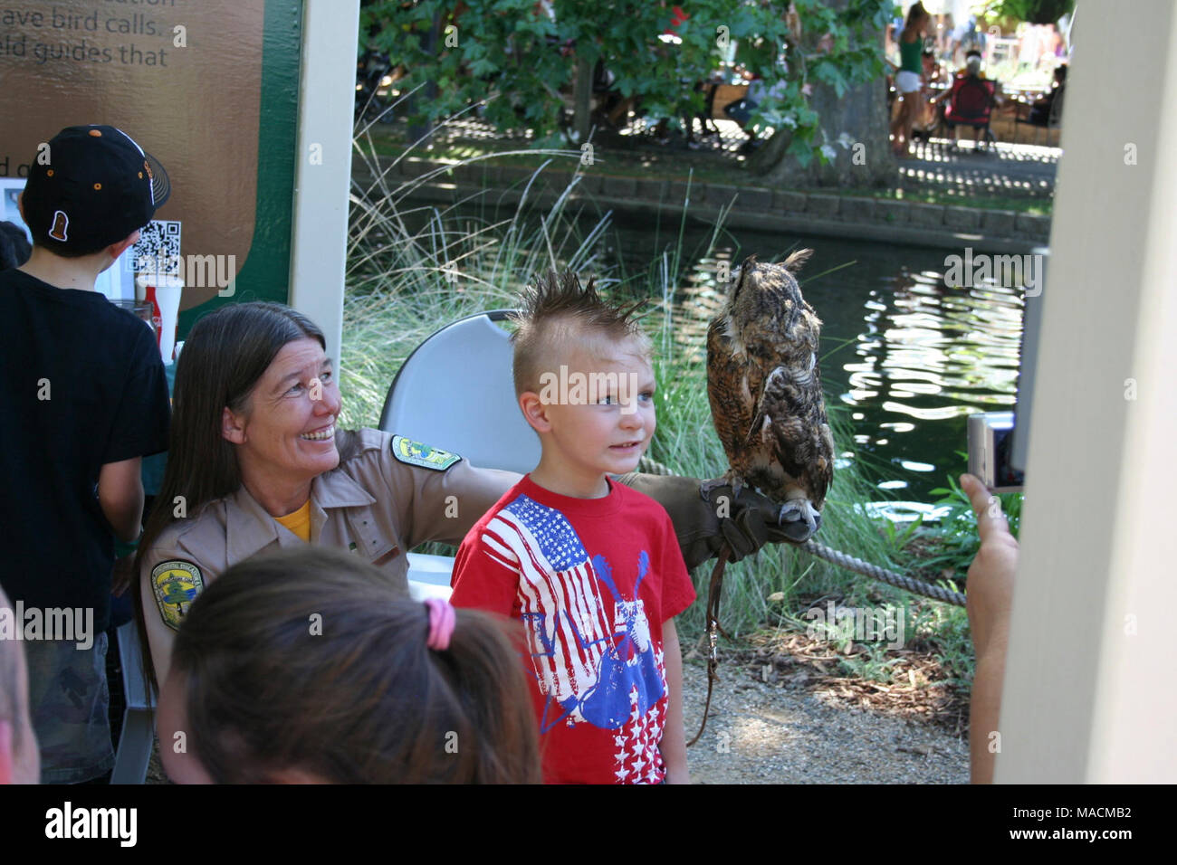 Some Kids Got The Chance To Meet Live Animals Up For The First Time Doi Agencies Us Fish
