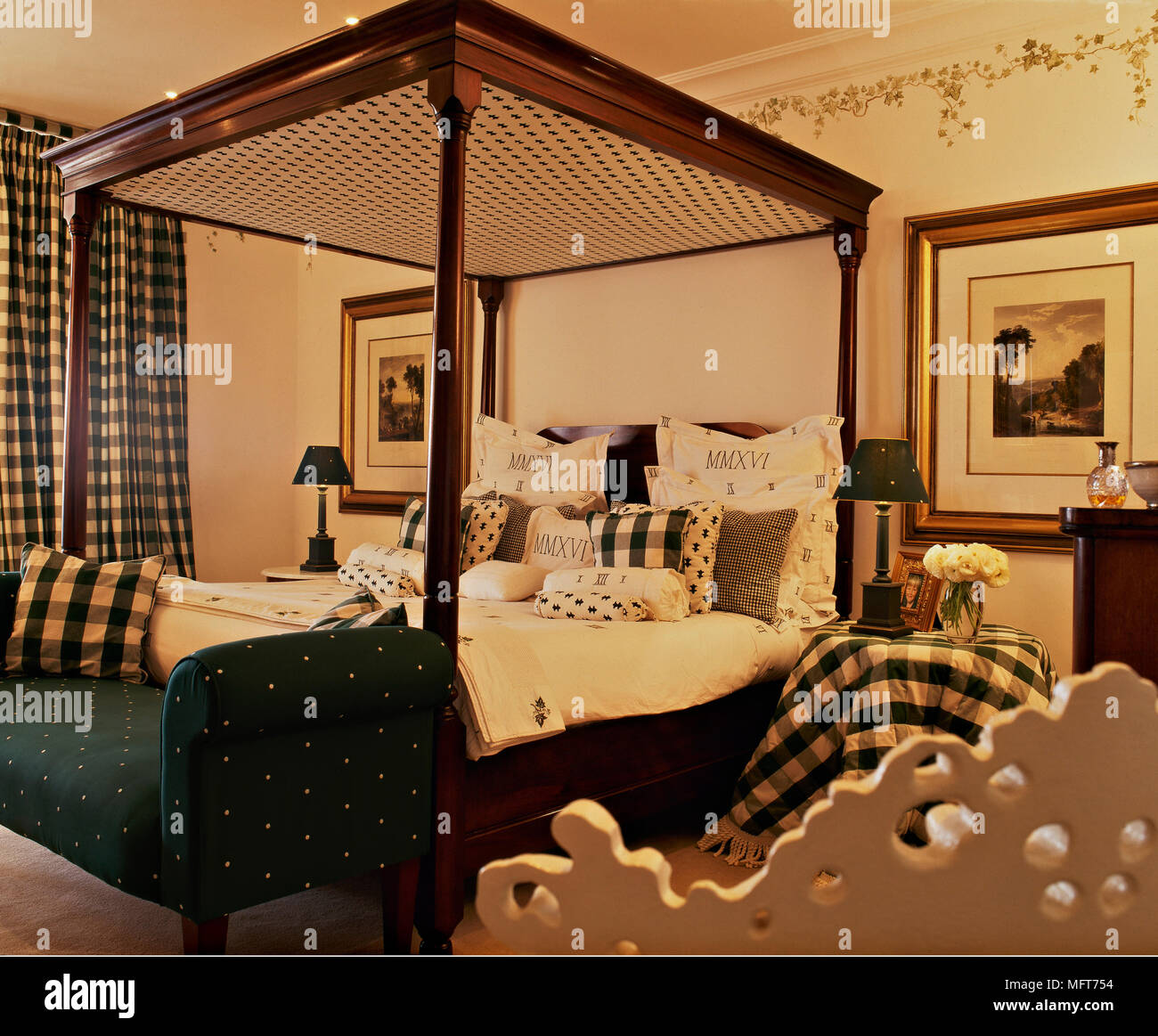 https www alamy com a traditional yellow bedroom wood four poster bed check curtains painted frieze image181856000 html