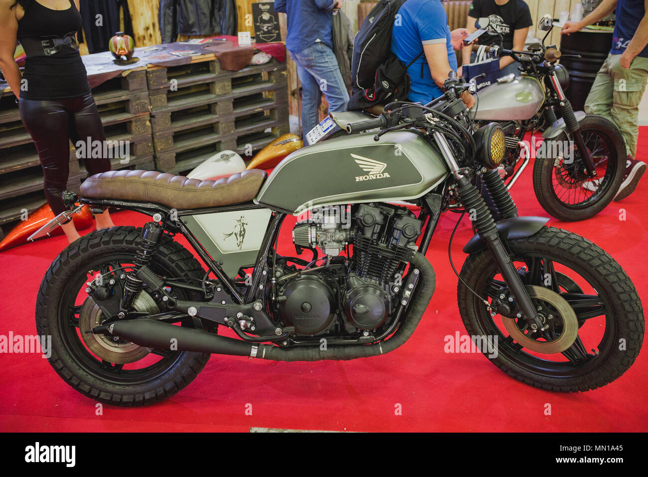 hight resolution of honda scrambler exhibited during the motor experience naples international auto and motorcycle exhibition credit ernesto vicinanza sopa images zuma