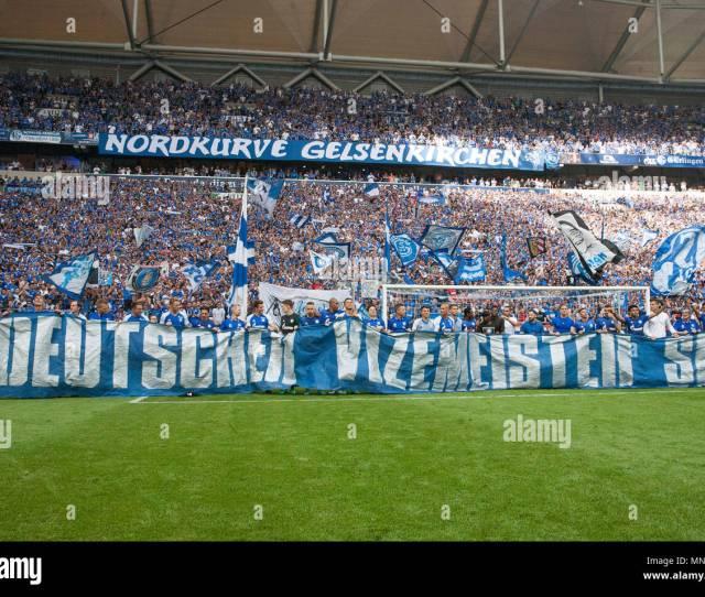 Gelsenkirchen Deutschland 12th May 2018 The Players Of Fc Schalke 04 Celebrate