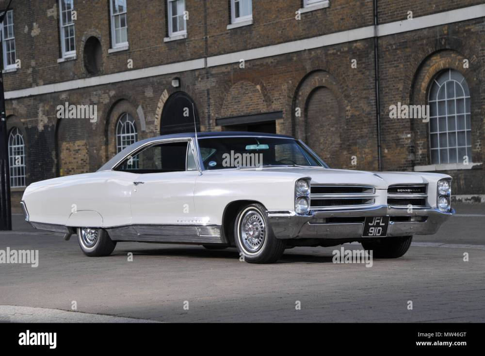 medium resolution of 1966 pontiac bonneville coupe classic american car a huge 2 door coupe stock image