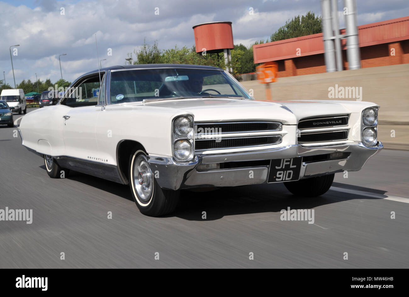 hight resolution of 1966 pontiac bonneville coupe classic american car a huge 2 door coupe stock image