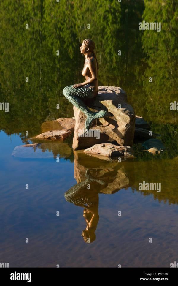 Mermaid Sculpture Stock & - Alamy