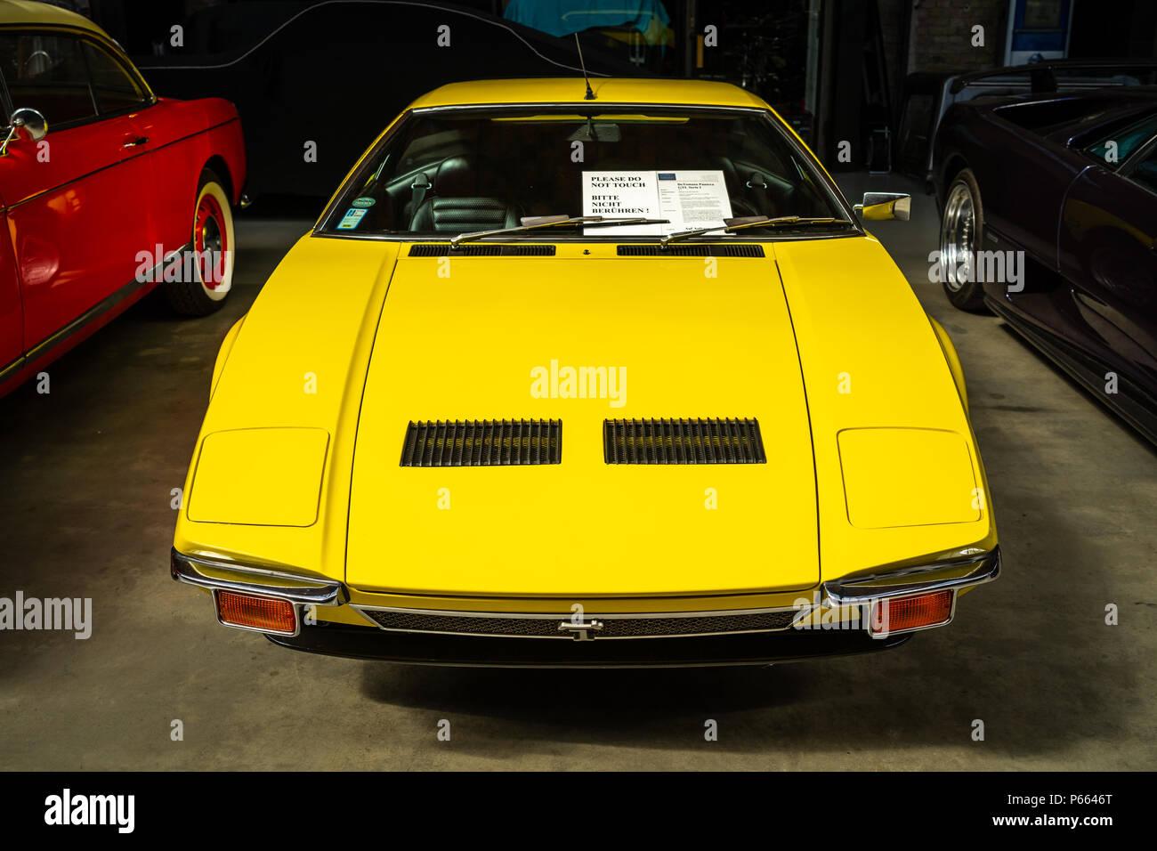hight resolution of sports car detomaso pantera gtl serie i 1973 exhibition 31 oldtimertage berlin