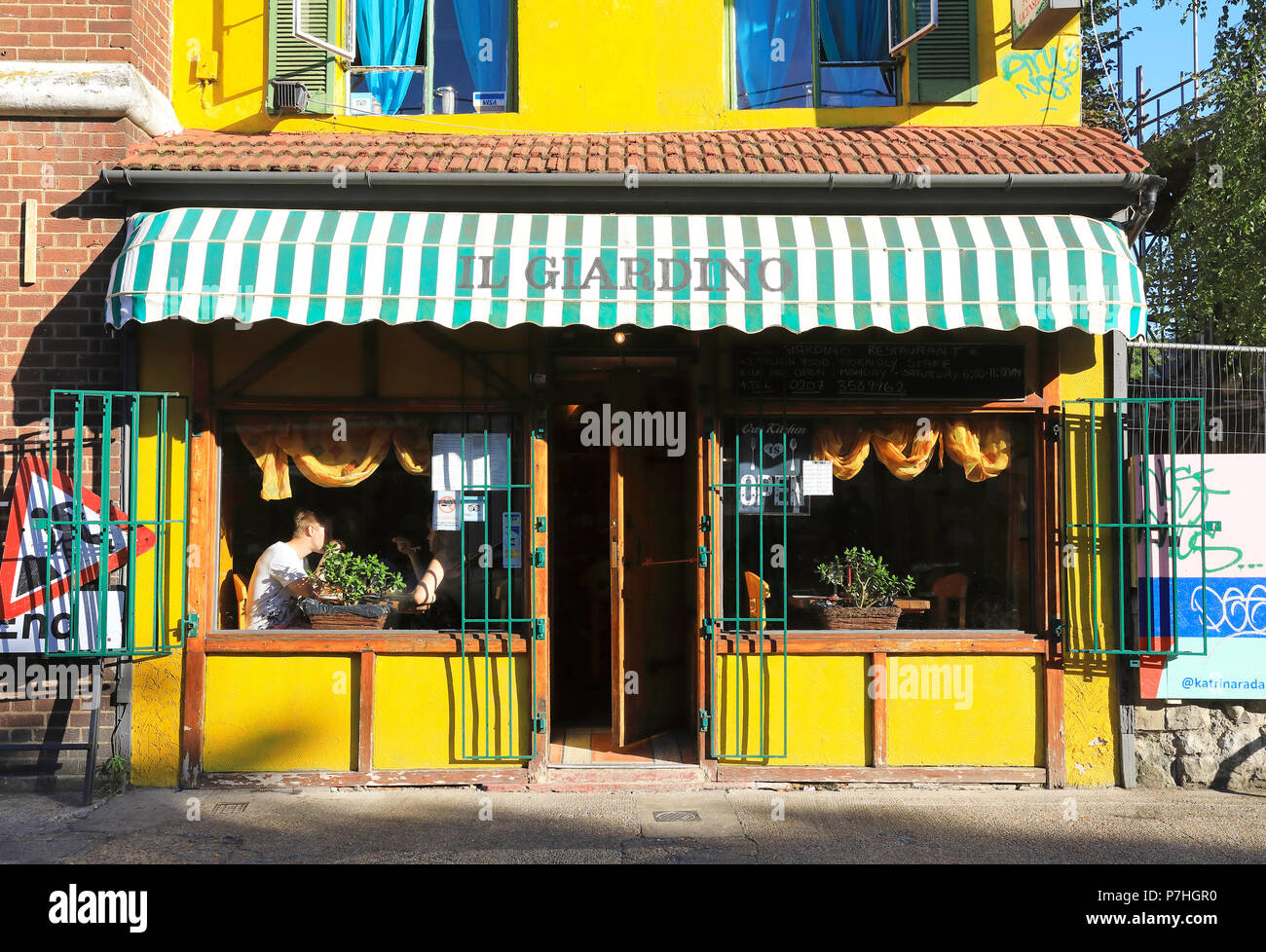 Italian Neighbourhood High Resolution Stock Photography And Images Alamy
