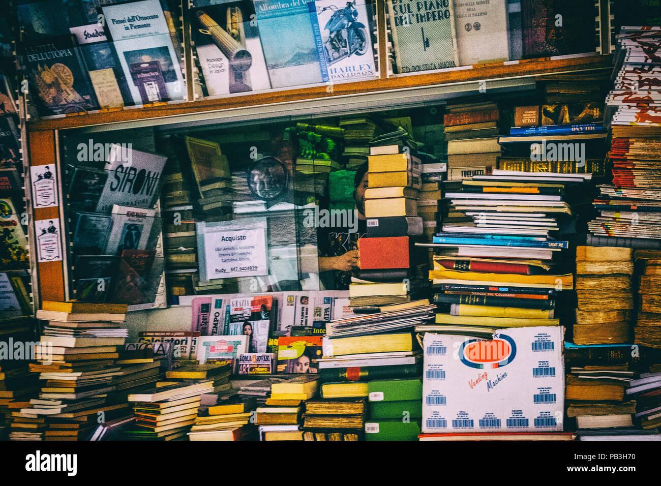 wallpaper background vintage books