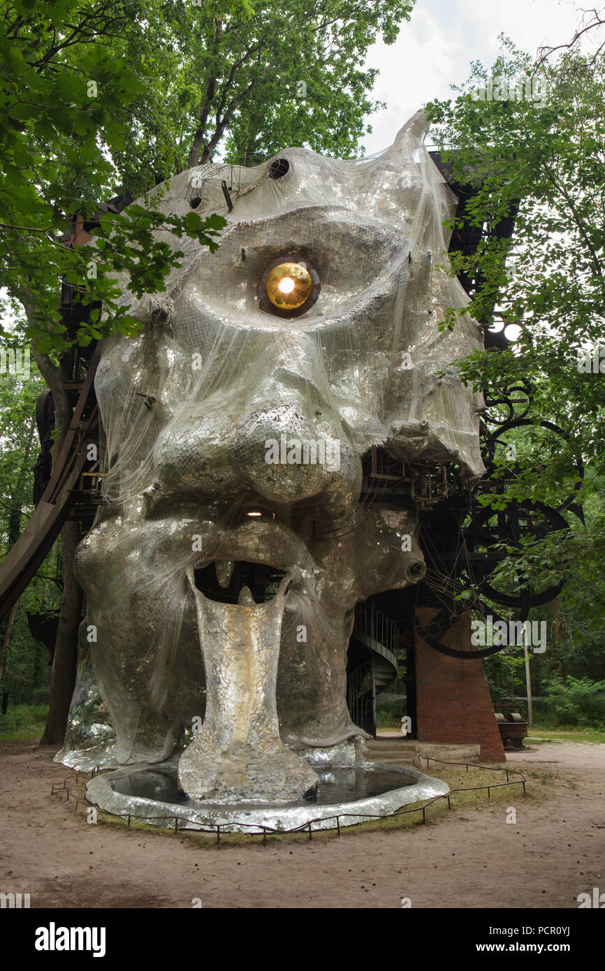 Le Cyclop De Jean Tinguely : cyclop, tinguely, Monumental, Kinetic, Sculpture, Cyclop, Designed, Swiss, Sculptor, Tinguely, Cooperation, French, Saint, Phalle, Forest, Village