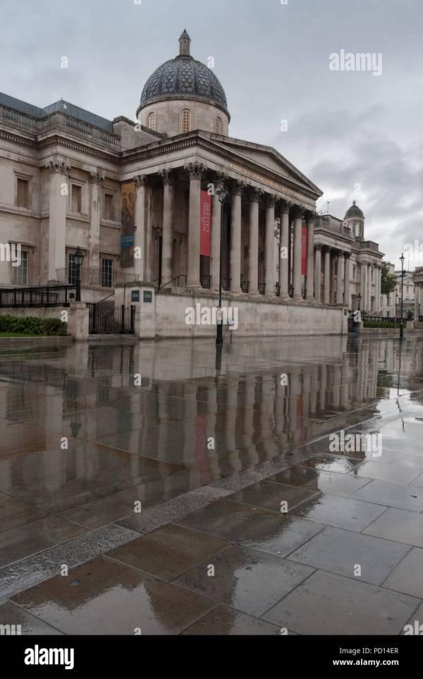 Trafalgar Square Rain Stock & - Alamy