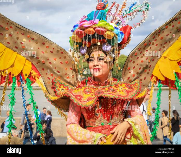 London Uk 8th Sept 2018 Performers In Colourful Traditional Costumes From Indonesia Pose And Dance Indonesia Weekend Is A Weekend Long Festival Of Indonesian Food Culture Performances And Fashion At Potters Field Park