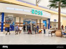 Miami Usa - August 22 2018 Ross Store Entrance And Logo