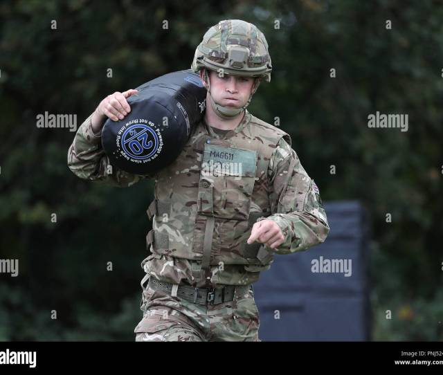 Soldiers Demonstrate The Repeated Lift And Carry Stage In The British Armyos New Physical Employment Standards Fitness Tests For Close Combat Soldiers At