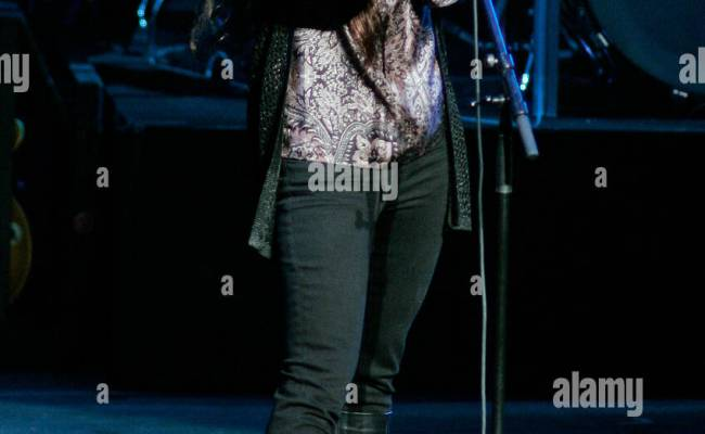 Alanis Morissette Performs In Concert At The Broward