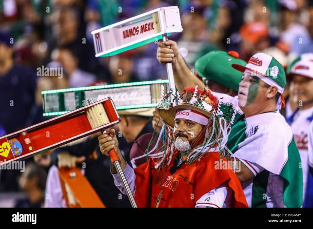 The Matraqueros Known As Amateurs To The Besbol That For More Than 30 Years Come To Support The Mexican Team Caribbean Series 2018 Held At Charros