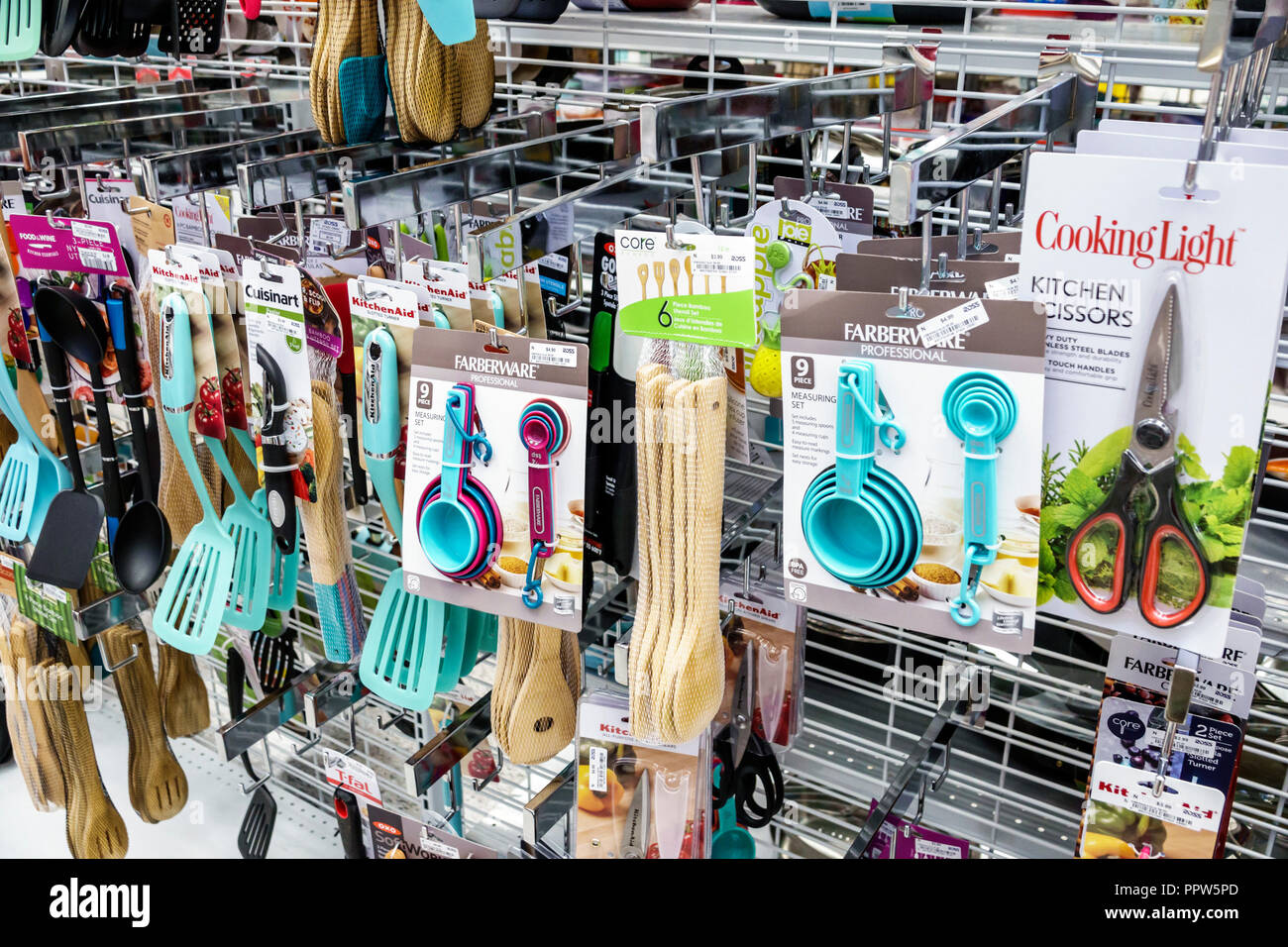 kitchen tools store ikea small miami beach florida ross department shopping inside display sale cooking utensils