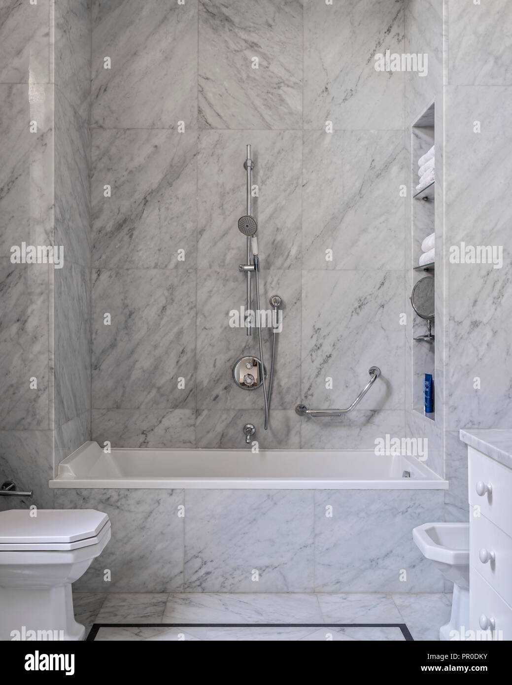 https www alamy com modern bathroom with grey and white marble tiles image220672255 html