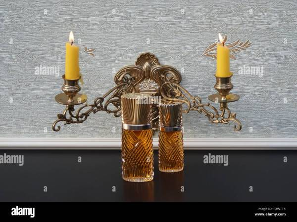 Piano Candle Holder Stock &
