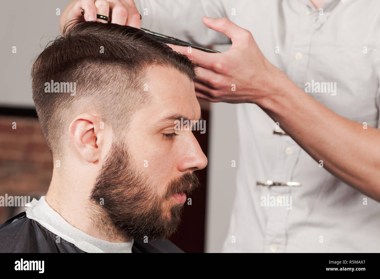 the hands of barber