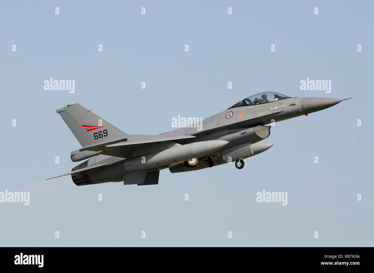 F 16 Block 80