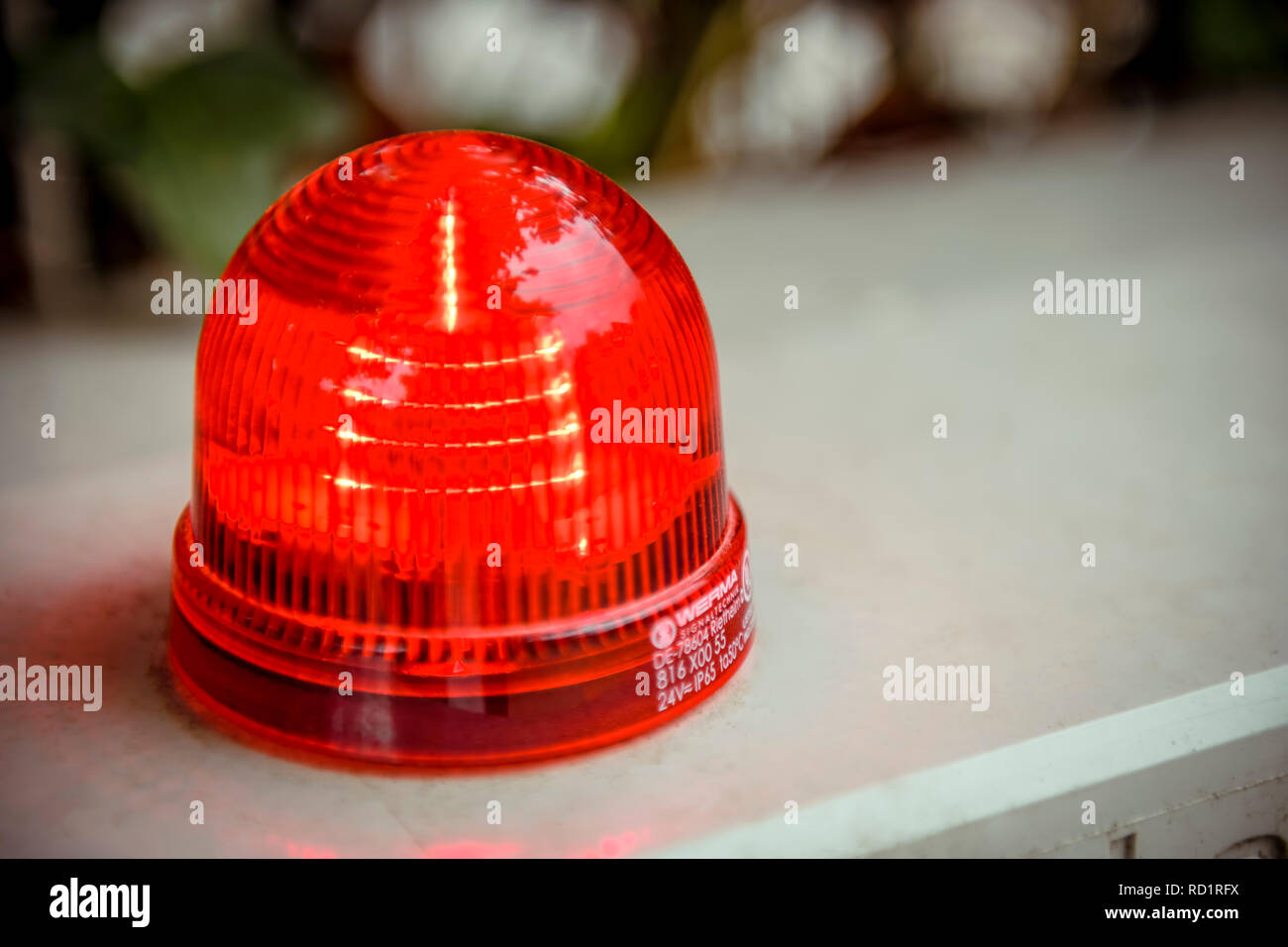 red alarm light rotes