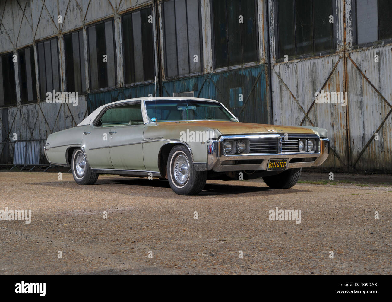 hight resolution of 1969 buick lesabre with sun burnt patina stock image