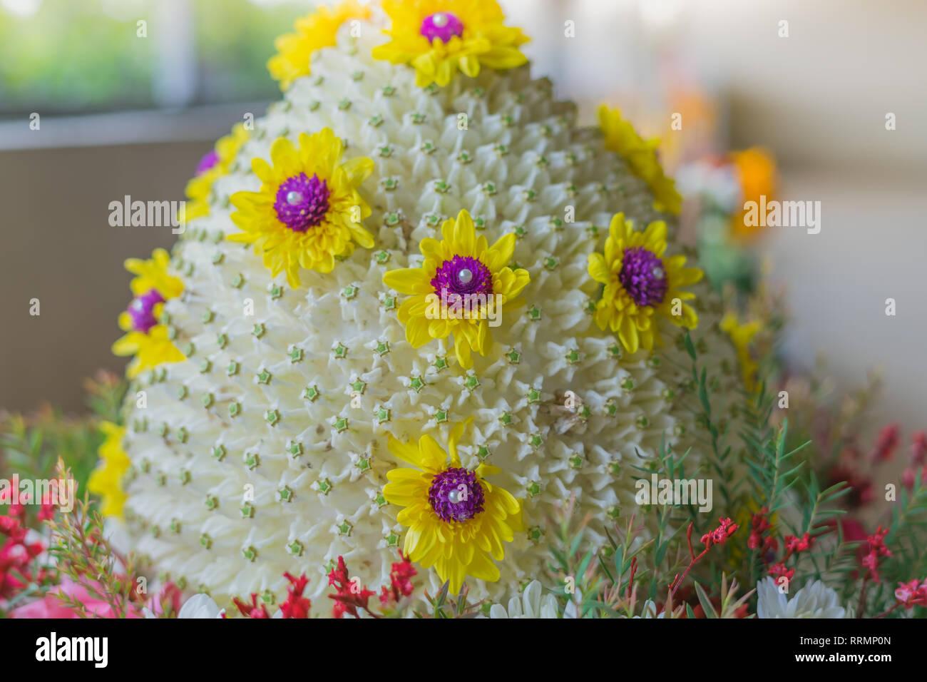 Wedding Pedestal Of Flowers Stock Photos Amp Wedding