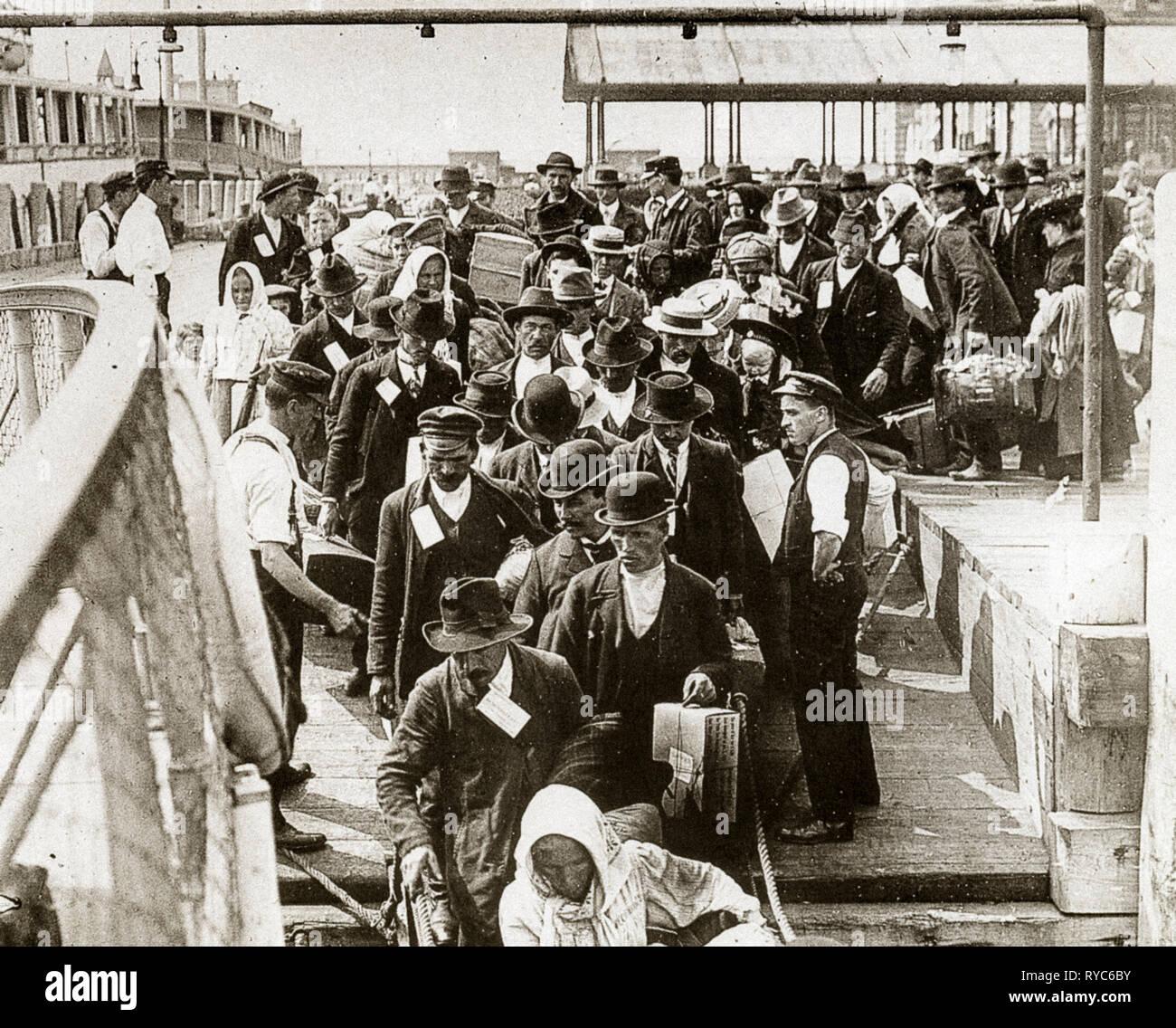 Arrival Of Italian Immigrants In America In New York