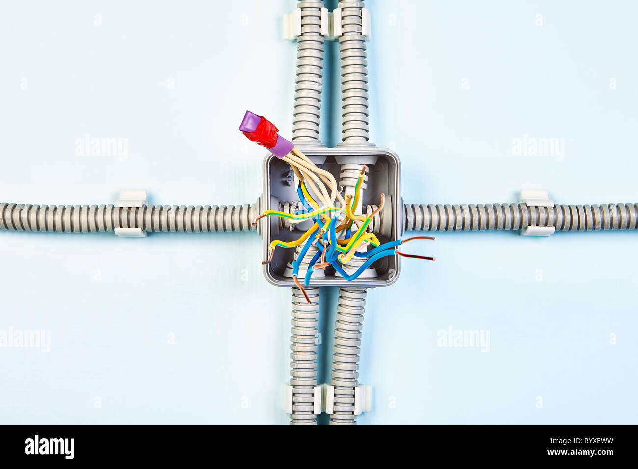 hight resolution of diagram of junction box with copper wiring spliced with help of heat shrink tubing and insulating tape