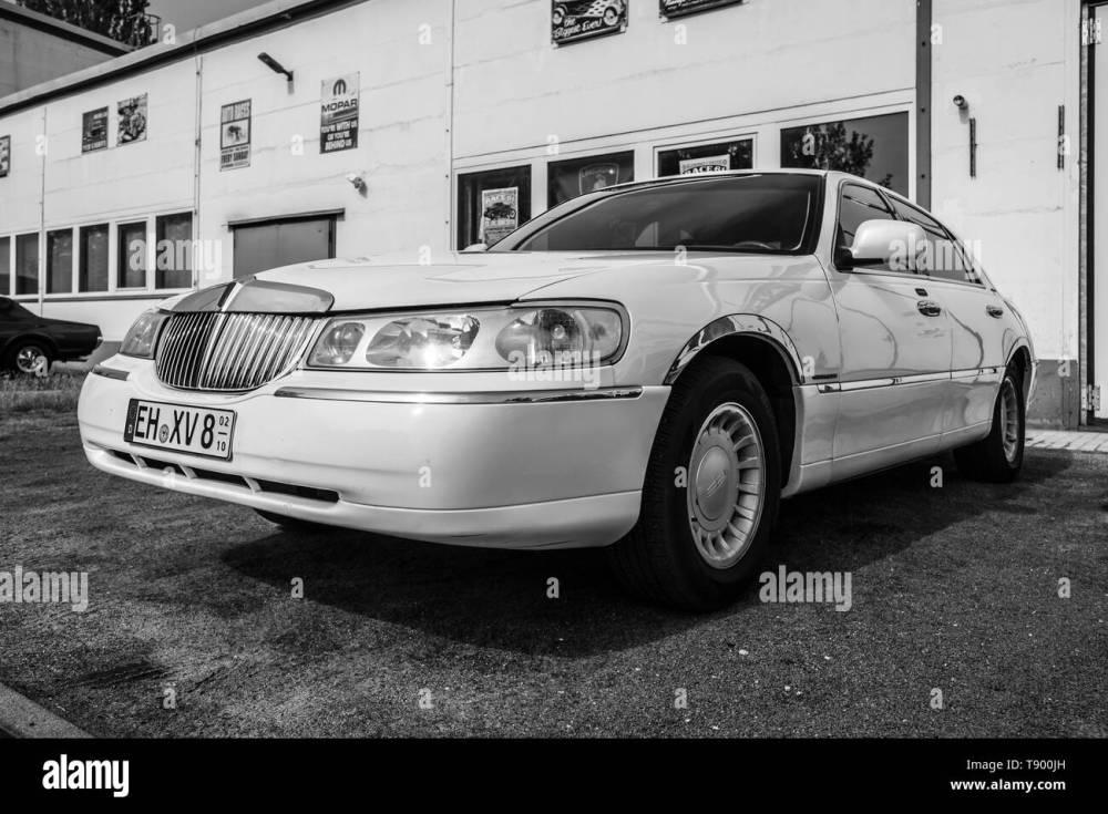 medium resolution of berlin april 27 2019 full size luxury car lincoln town car