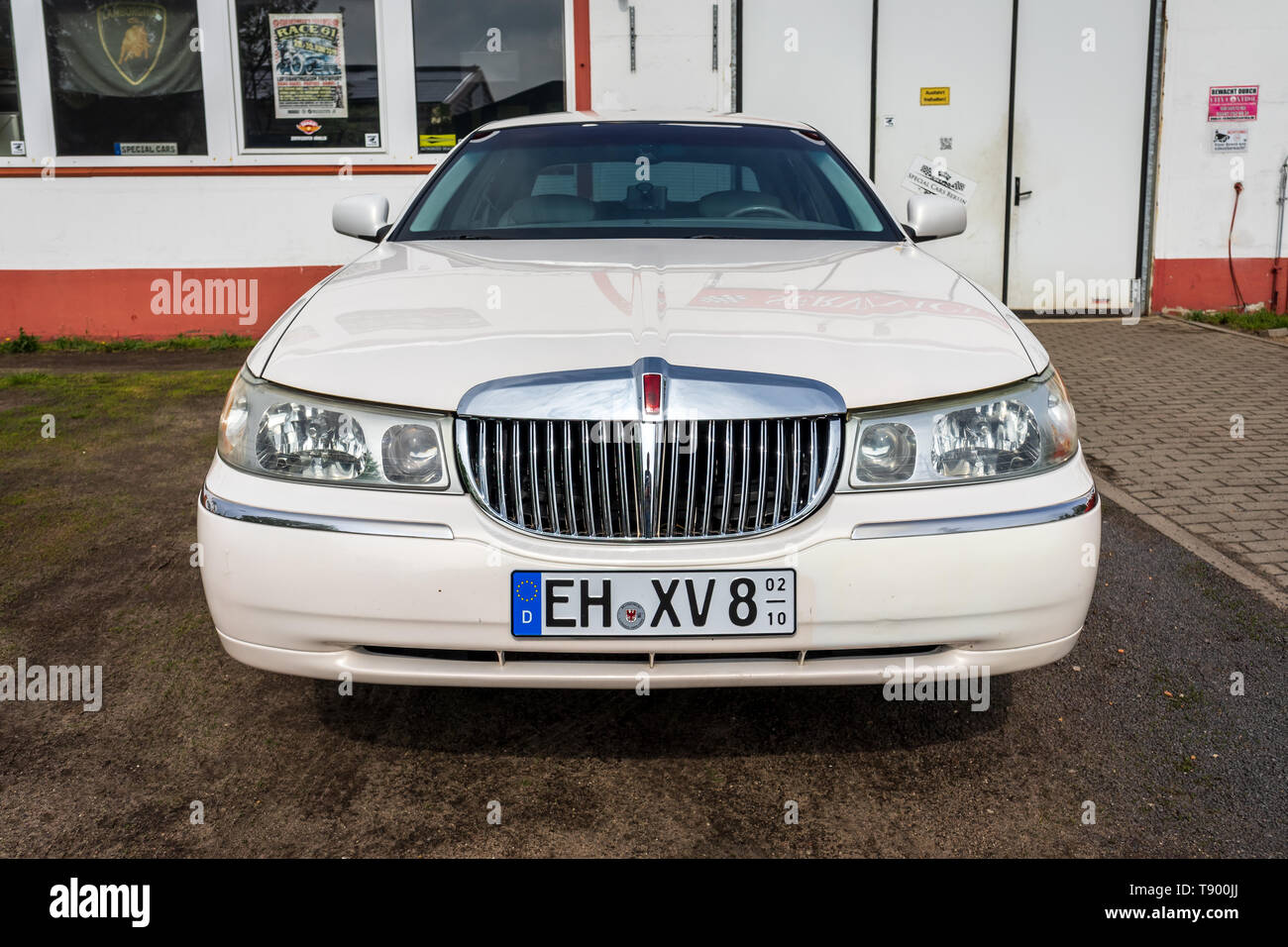 hight resolution of berlin april 27 2019 full size luxury car lincoln town car
