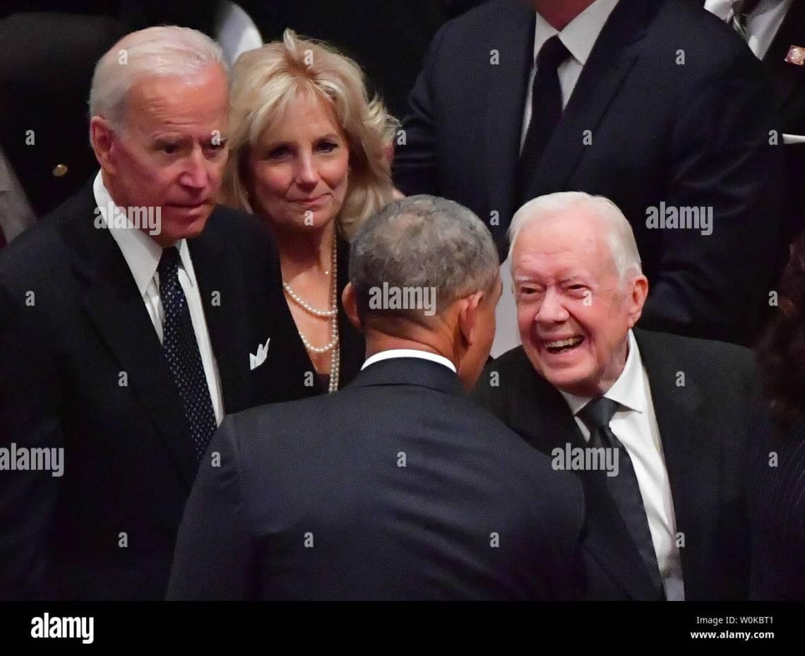 Former Presidents Jimmy Carter (R) and Barack Obama speak while ...