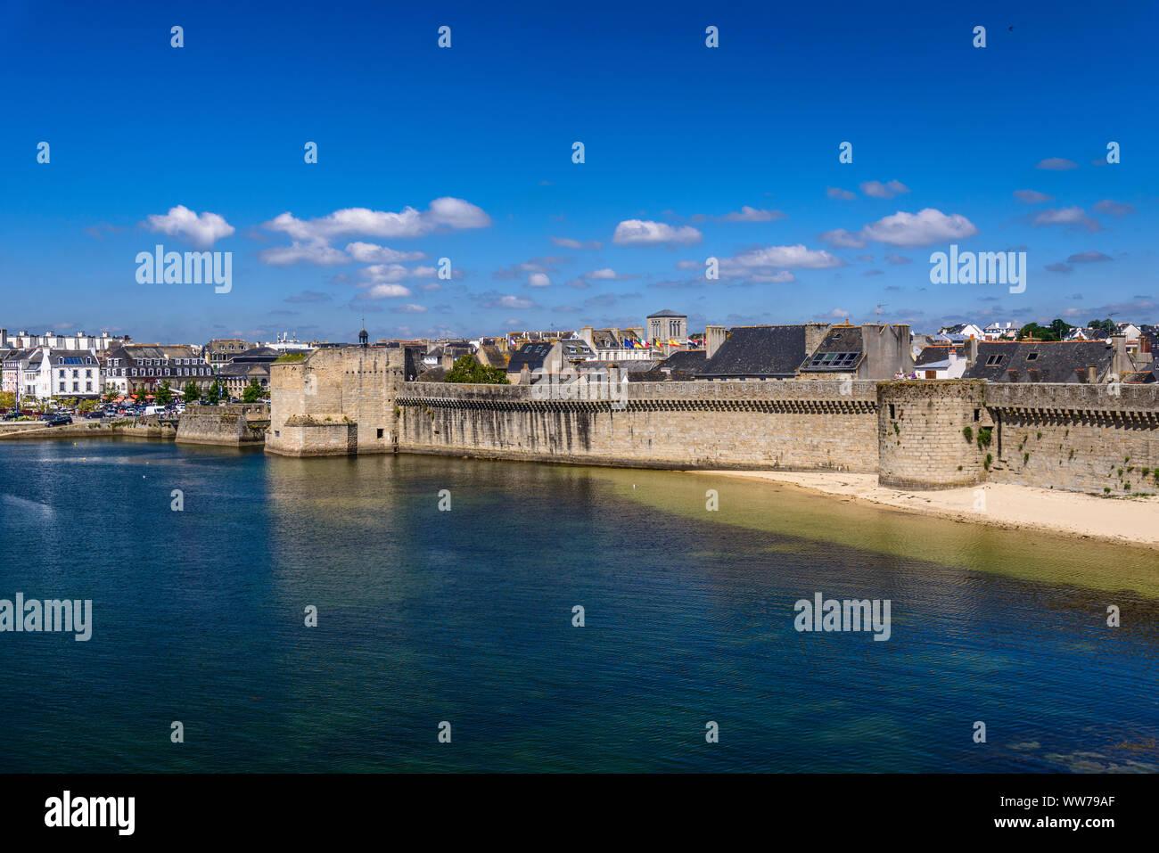 https www alamy com france brittany finistre department concarneau ville close les remparts image273682935 html