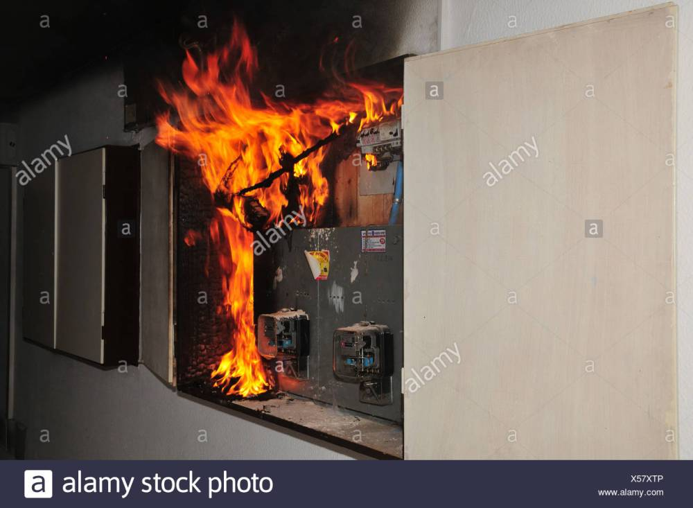 medium resolution of electrical fuse box pontiac fire