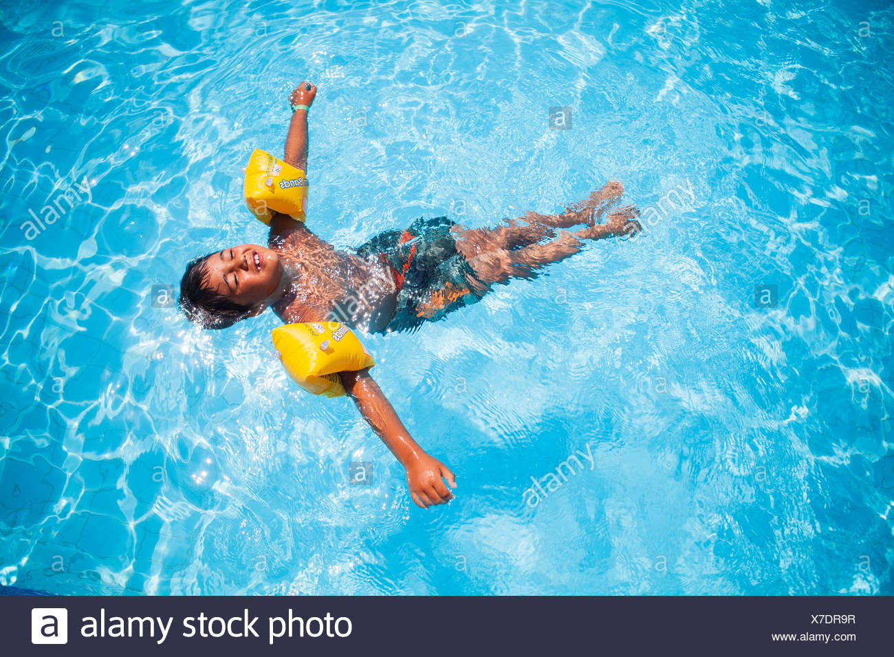 Floating Stock Photos Amp Floating Stock Images Alamy