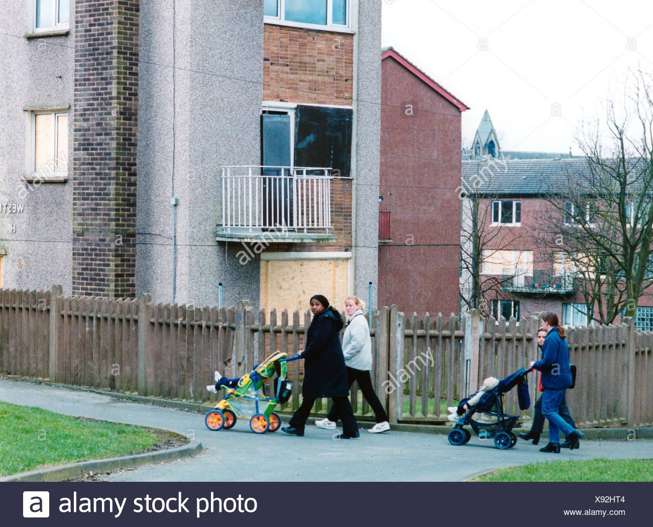 bradford council sofa removal simmons upholstery scarlet reviews deprived child uk stock photos images alamy women walking their babies in buggys on housing estate yorkshire image