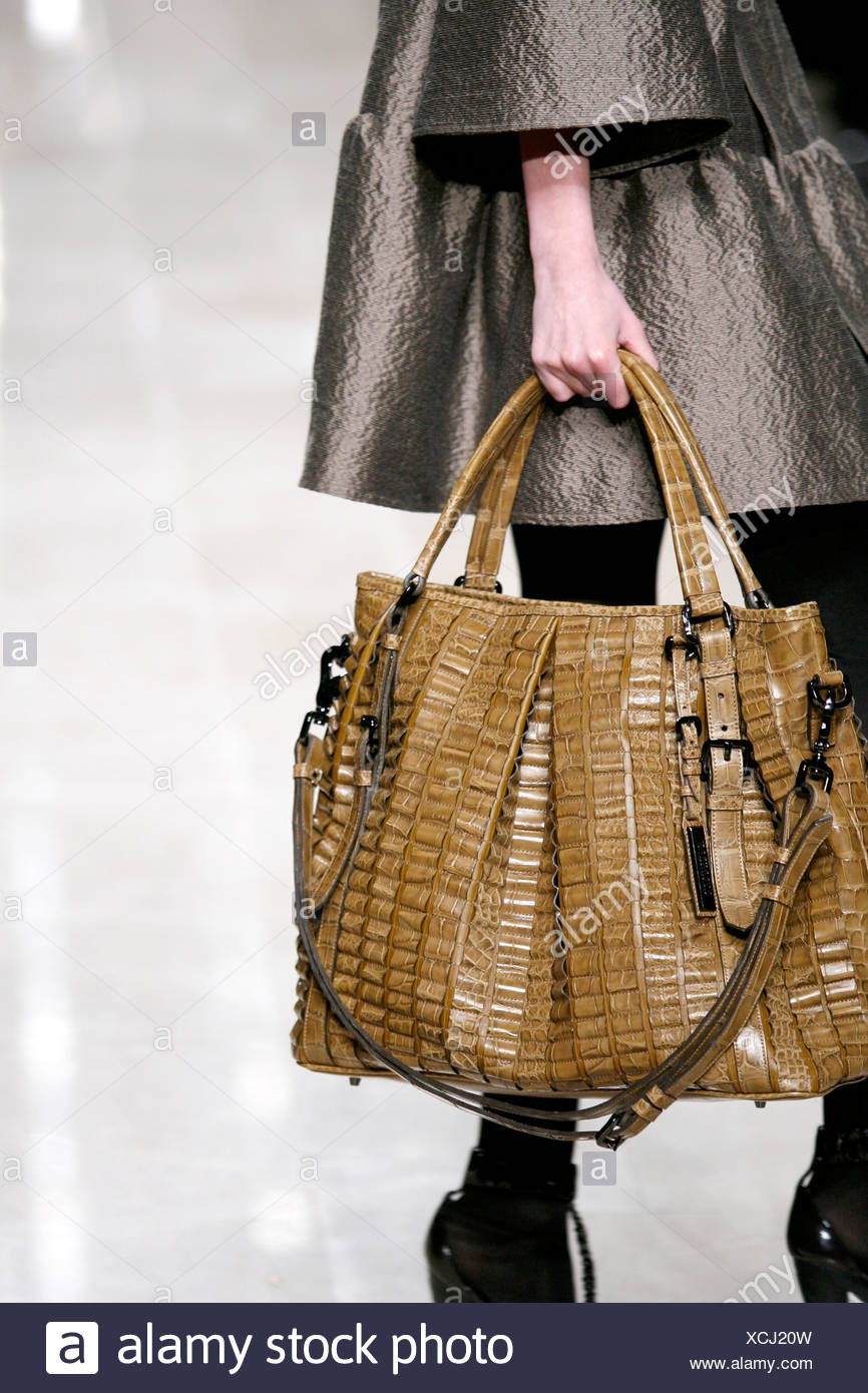 Burberry Handbags Uk Sale