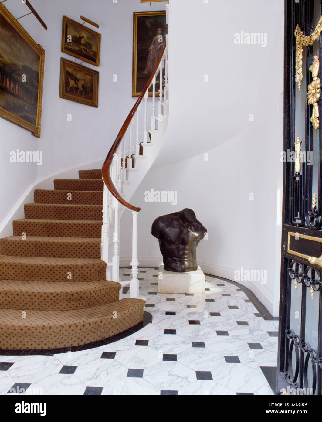 Roter Teppich Treppe Interiors Country Halls Carpet Stockfotos And Interiors