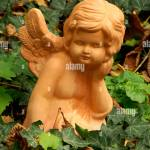 Keramik Engel Stockfotos Und Bilder Kaufen Alamy