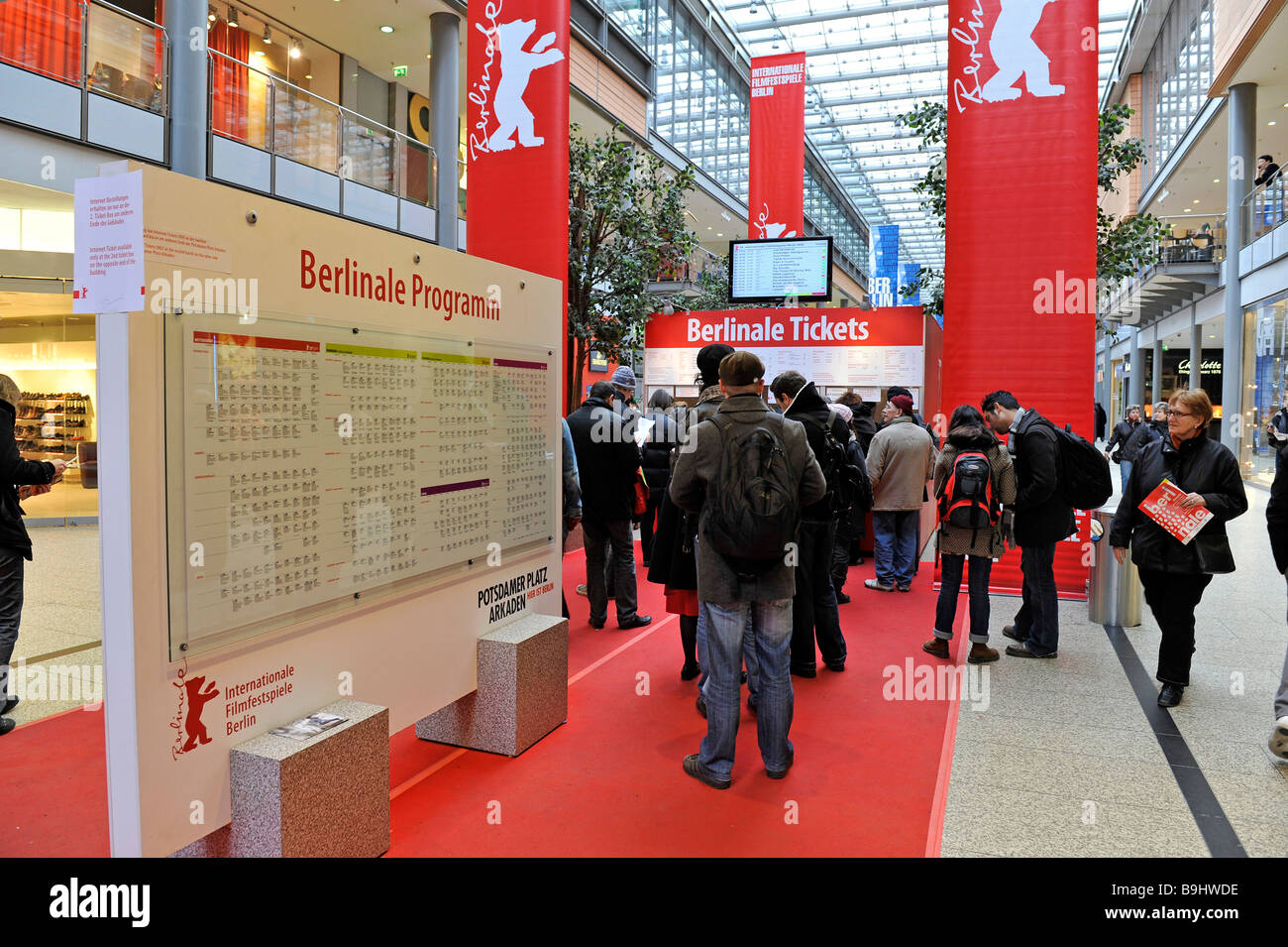 Zoo Palast Roter Teppich Berlinale Stockfotos And Berlinale Bilder Alamy