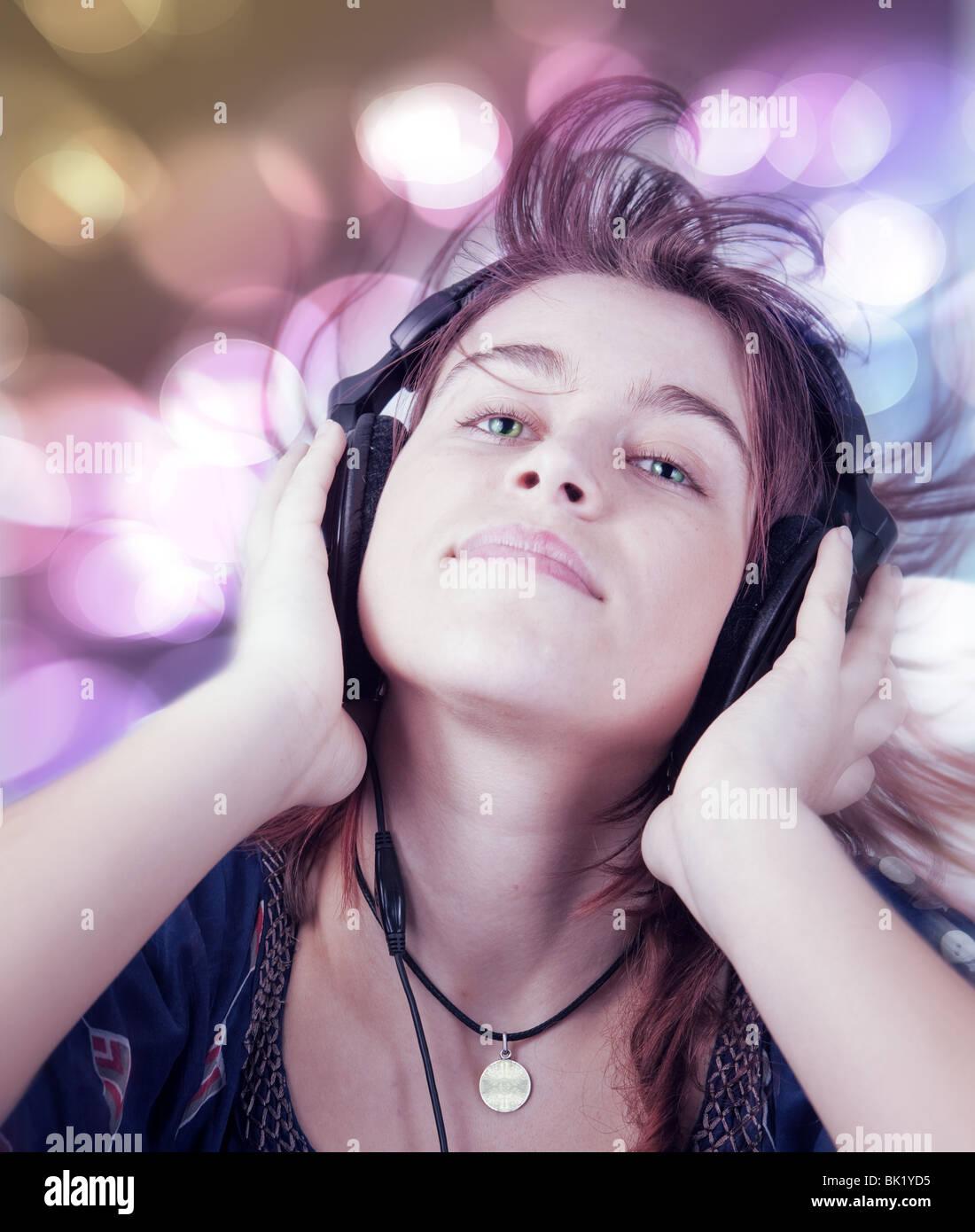 Young Teen Dancing Nightclub Stockfotos & Young Teen