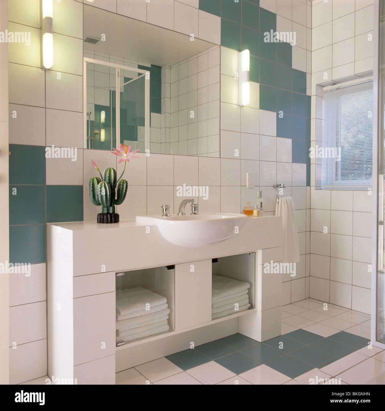 Badezimmer Modern Grun 42 Ideen Fur Kleine Bader Und Badezimmer Bilder